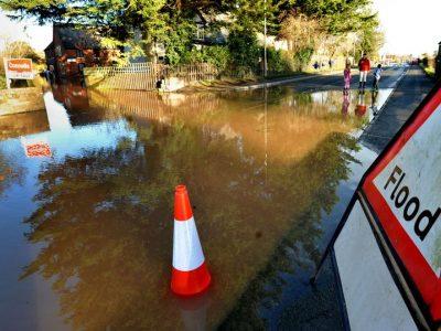 Furtuna Christoph în Marea Britanie: Alerte severe de inundații, temperaturile scad până la -10C