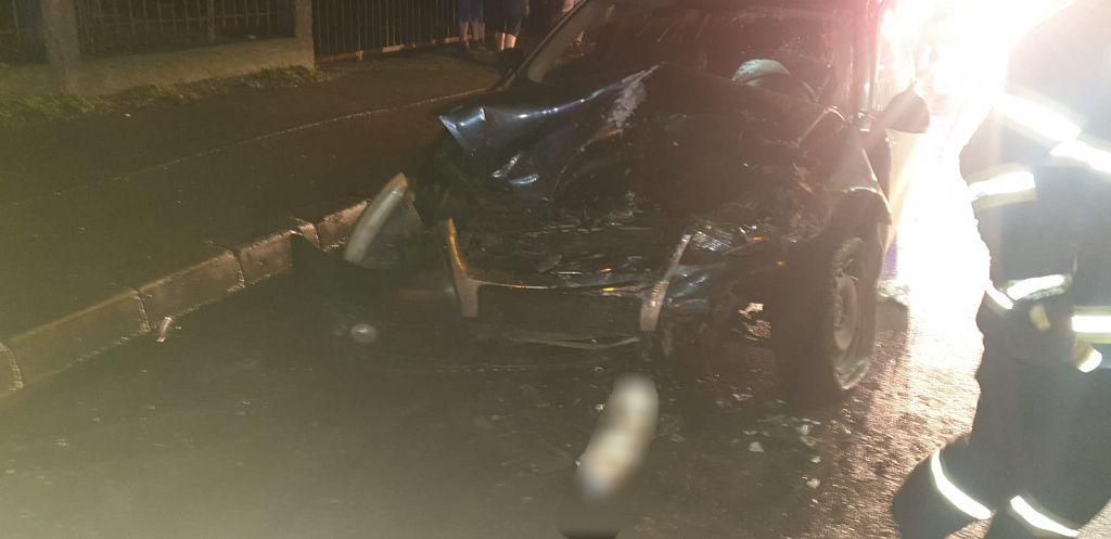 Patru victime, dintre care una încarcerată, după o coliziune frontală între două autoturisme pe strada Vâlcele din Focșani