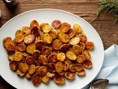 Rețetă rapidă de cartofi crocanți cu parmezan