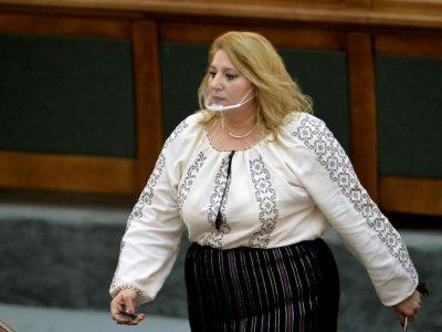 Diana Șoșoacă blocată pe Facebook pentru jigniri. Cum a reacționat avocata