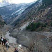 Ghețar prăbușit în Himalaya! Peste 150 de morți