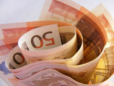 Val de scumpiri în România, cauzate de o creștere istorică euro