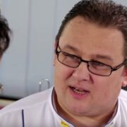 A murit Chef Adrian Pop. Celebrul bucătar s-ar fi lovit la cap la o petrecere