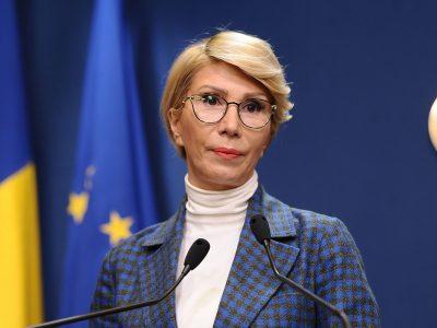 """Raluca Turcan, după ce a apărut fără mască la un eveniment: """"Am solicitat să fiu amendată"""""""