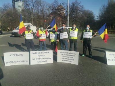Minerii protestează în fața Guvernului. Veniți de la Târgu-Jiu, au decis să facă greva foamei
