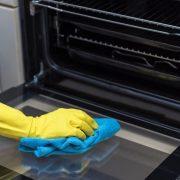 Cum să cureți cuptorul eficient, cu minimum de efort. Varianta fără chimicale