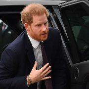 Prințul Harry a ajuns în Marea Britanie, fără Meghan Markle. Scutit de carantină, ca să poată participa la înmormântarea prințului Philip