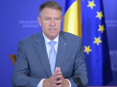 Klaus Iohannis a semnat legea care prevede reducerea programului salariaților cu 80%