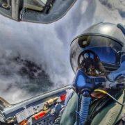 El este pilotul care s-a prăbușit cu avionul în Mureș. S-a salvat în ultimul moment