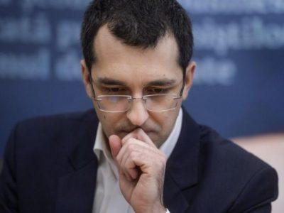 Vlad Voiculescu a sperat până în ultimul moment. Ce a făcut în ziua demiterii