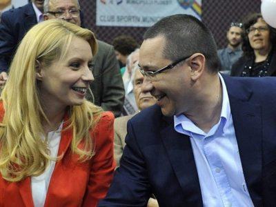Sărbătoare în familia lui Victor Ponta. Maria împlinește un an alături de părinții ei