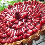 Tartă de vară cu căpșuni – O prăjitură foarte ușor de făcut