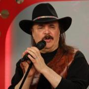 Șoc în lumea artiștilor. Cântărețul Iurie Sadovnic a fost găsit fără suflare în locuința sa