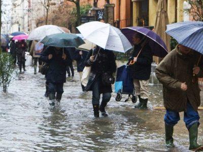 ANM anunță, din nou, Cod galben și cod portocaliu! Ploile au pus stăpânire pe România
