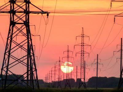 Facturile de energie vor crește de la 1 iulie, iar cei care n-au ales oferta potrivită vor suferi cel mai mult