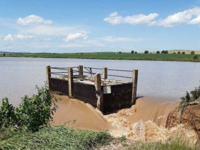 S-a rupt un dig în Neamț! Pericol de inundații. Autoritățile au emis RO-ALERT