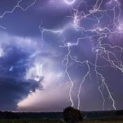 Avertizare meteo cod galben de furtuni! Care sunt județele afectate