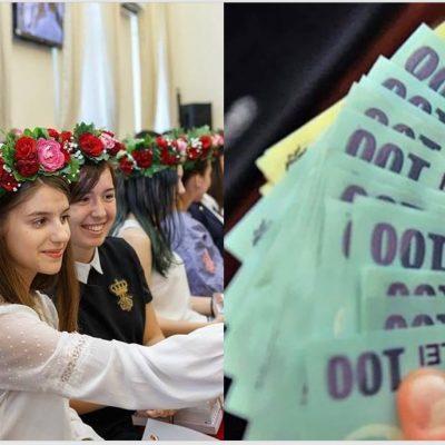 Bani de la stat pentru elevii cu nota maximă la BAC și Evaluarea Națională. Guvernanții speră să-i țină în țară