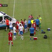 Panică la meci: un jucător s-a prăbușit pe teren și medicii au intervenit urgent