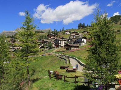 Satul din Italia unde nu intră nicio mașină. Localnicii trăiesc ca în povești