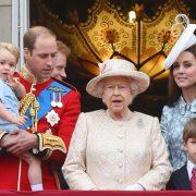 Kate Middleton i s-a plâns Reginei. Motivul are legătură cu primul băiețel al familiei