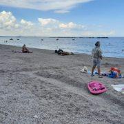 S-a ales praful de stațiunea Mamaia. Doar câțiva turiști pe plajele lărgite, curg nemulțumirile