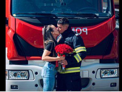 Cum a ales un pompier să-și ceară iubita în căsătorie. Toți au rămas uimiți