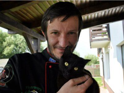 S-a stins din viață jurnalistul Răzvan Boacă. Avea 44 de ani și a murit în somn