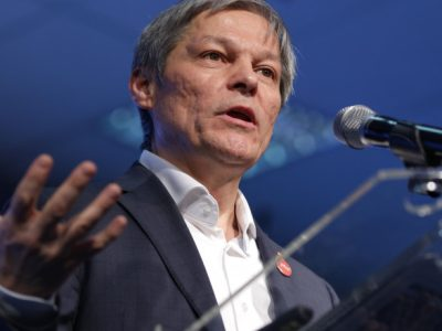 Guvernul Cioloș: cine sunt miniștrii desemnați de noul premier al României