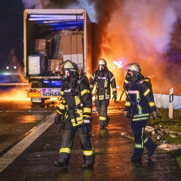 Accident devastator în Germania. Un șofer român a murit ars în cabina tirului